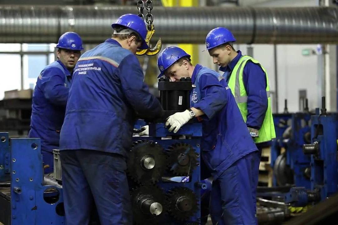 Для работников в сфере энергетики улучшат условия труда